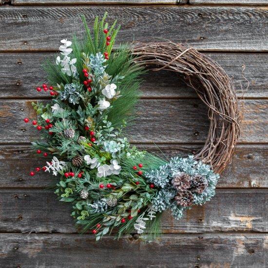 diy winter grapevine wreath | craftgawker